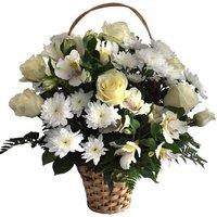 Роза, хризантема кустовая и альстромерия